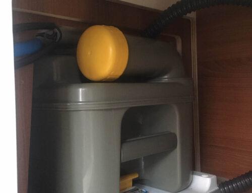 Einbau einer Absauganlage für Toiletten Gerüche im Wohnmobil